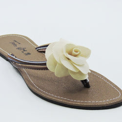 Women's White Flower Topped Slipper