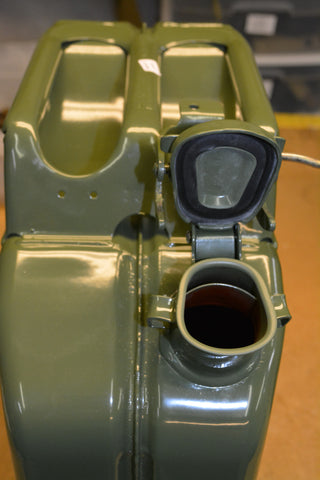 set of four Jerry cans / Nato jerry cans
