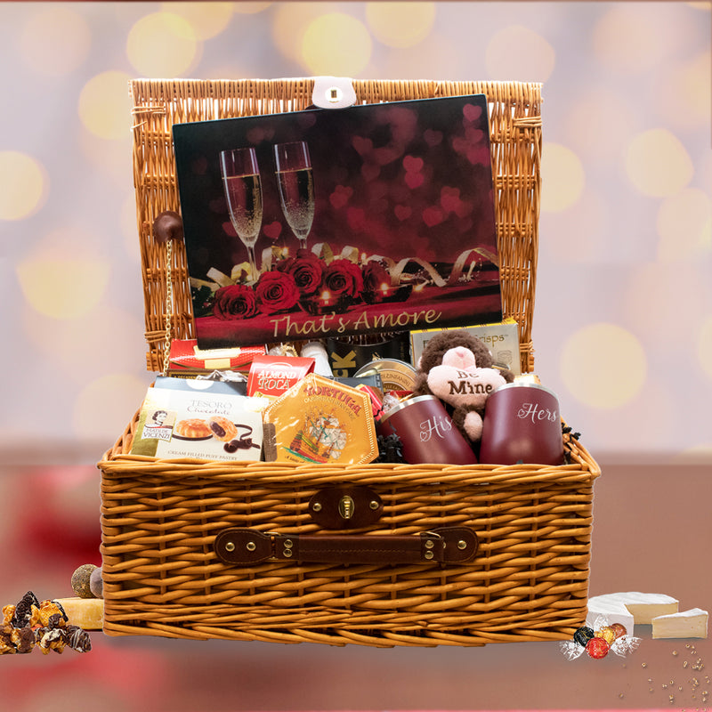 That's Amore Picnic Basket With Personalized Wine Tumblers