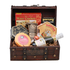 Sips & Snacks Treasure Gift Set