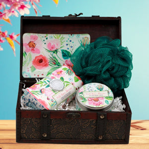 Wild Berry Blossom Serene Spa Gift Chest