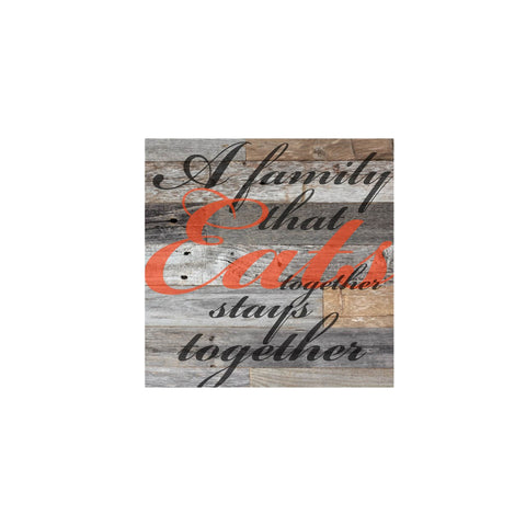 SavvyGifts A Family That Eats Together Stays Together Canvas