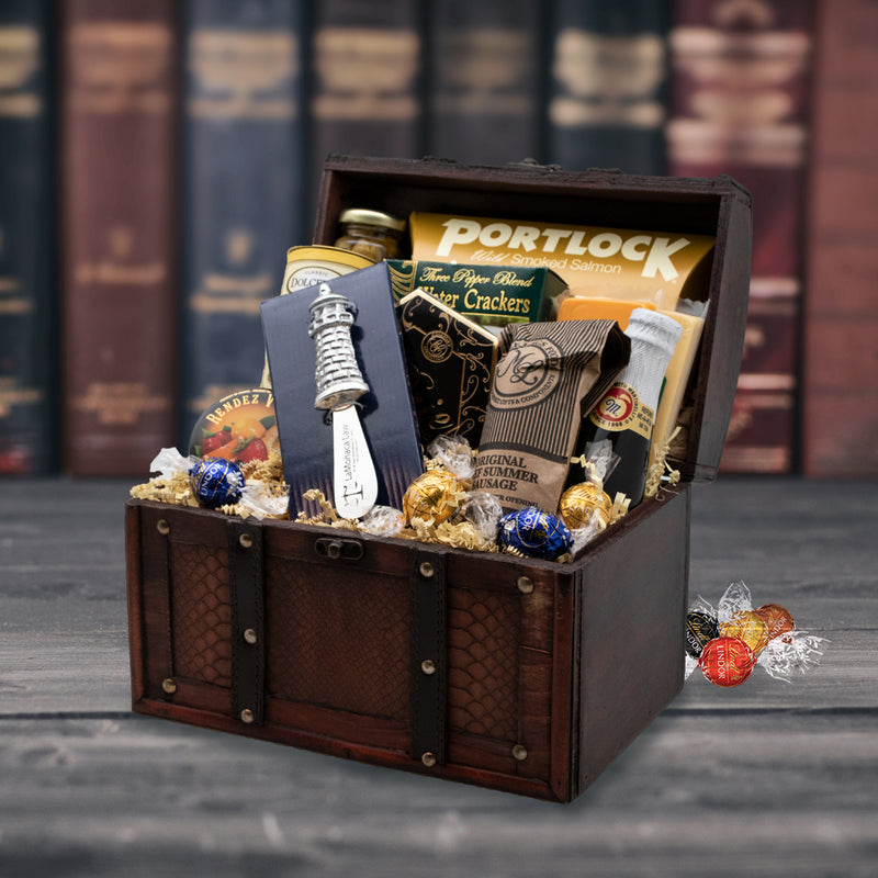 Savoury Gourmet Treasure Basket With Personalized Cheese Spreader