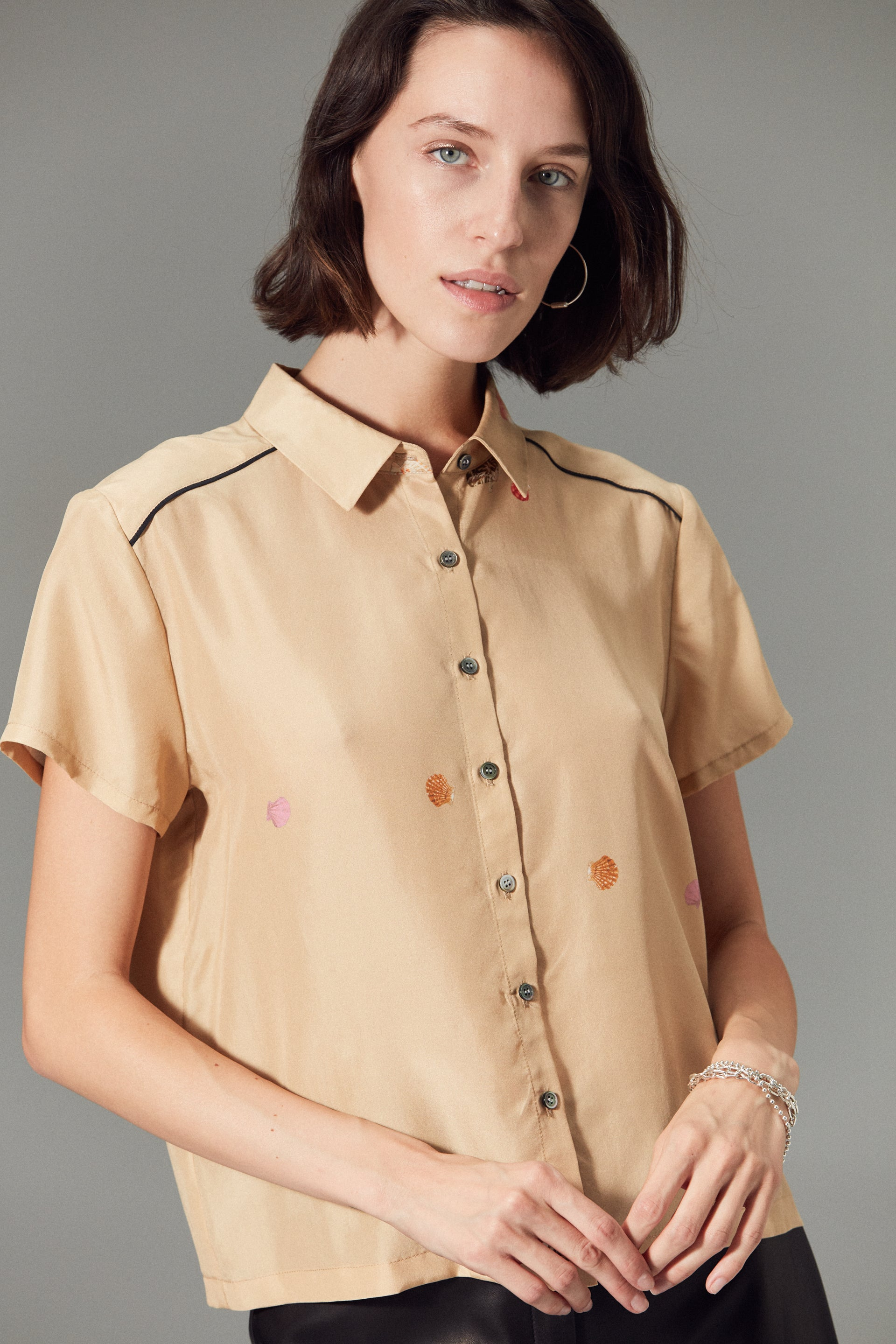 Honolulu Silk Top Khaki Shell