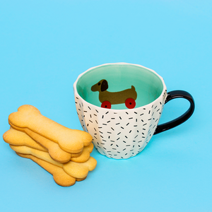 Tatty Devine og KBJ kopp Dog on Wheels, 350 ml.