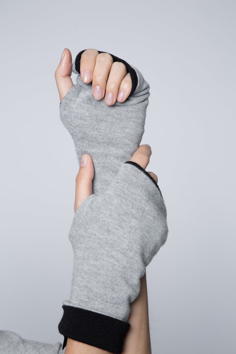 One size reversible sweater fingerless glove in gray heather and black
