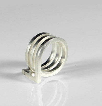 Circles Ring by Oscar Abba