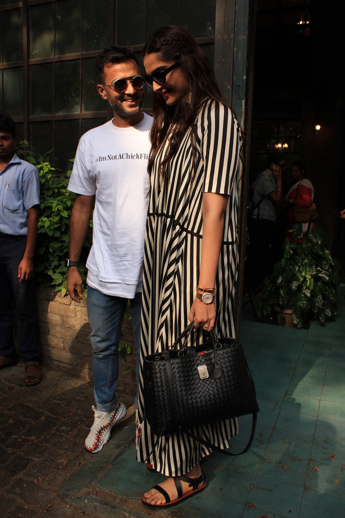 Bollywood News : Sonam Kapoor and anand spotted at pali village cafe
