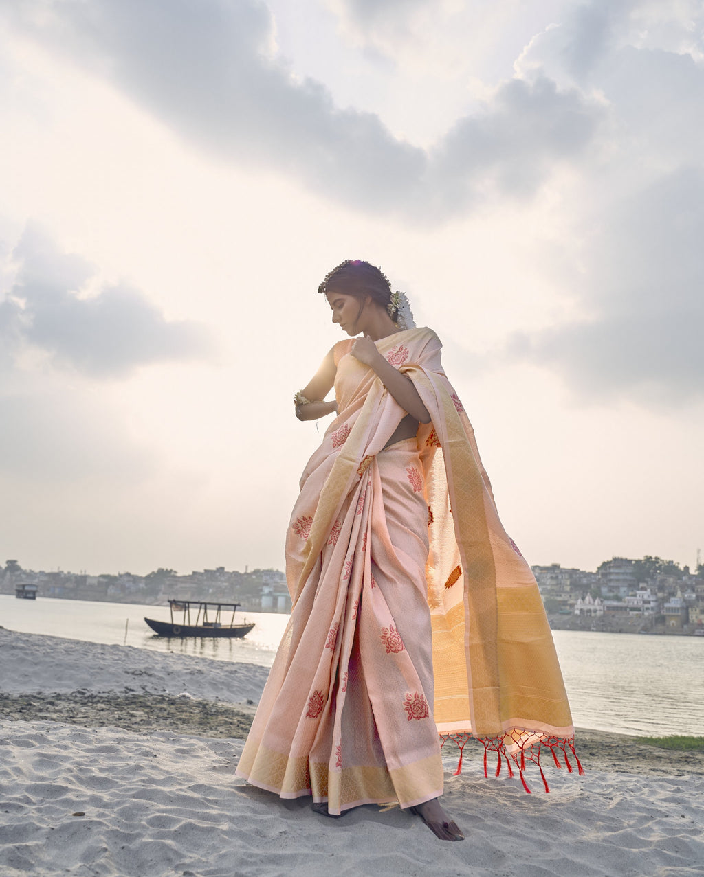 Light Peach Shimmering Handloom Silk Sarees Online Shopping