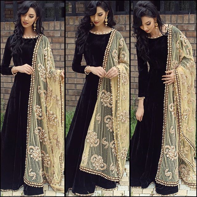 Elegant Black Velvet Gown Online Shopping India