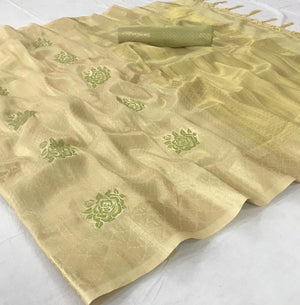 Gold Color Handloom Silk Indian Traditional Saree Designs Online