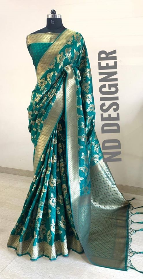Beautiful Banarasi Silk Saree with tassels and Blouse in Teal