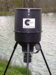 Outdoor Water Solutions Fish Feeder