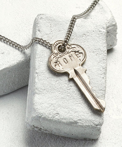 HOME Classic Key Necklace The Giving Keys SILVER