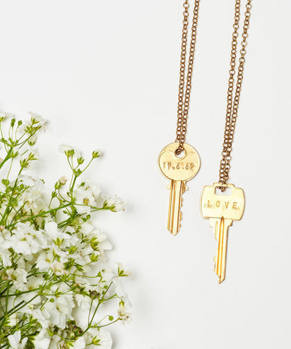 Wedding Date Classic Key Necklace Necklaces The Giving Keys