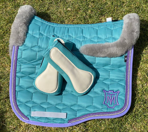 Large Mattes Full Sheepskin Ocean Eurofit Saddle Pad & XL Front and Hind Hi Pro Boots.