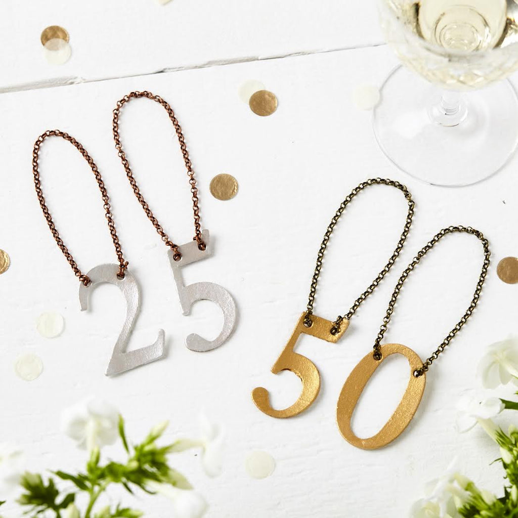 These bottle tags are great for anniversaries and birthdays - or even for wedding table numbers
