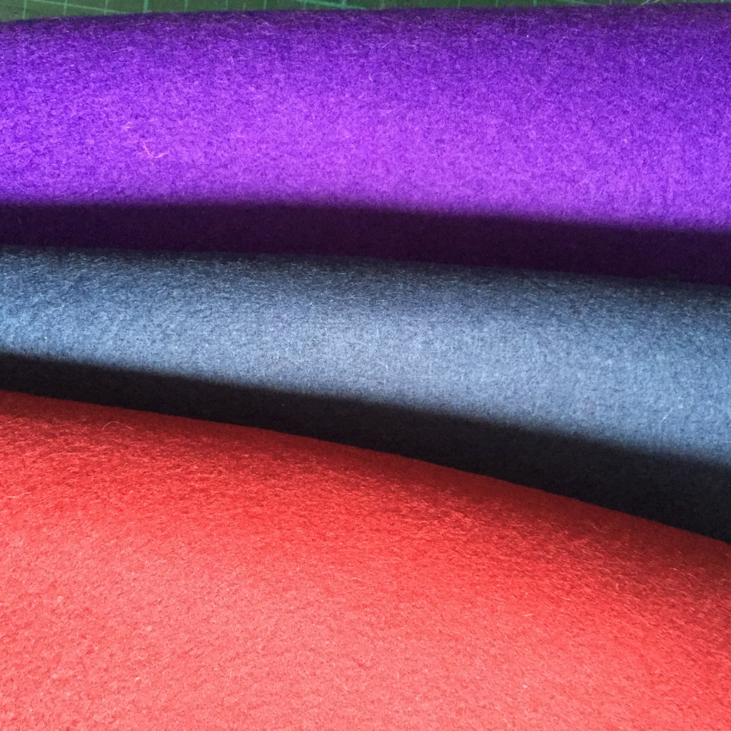 Choose a blue or purple woollen felt lining