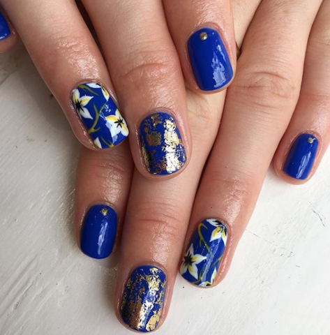 Chez is Shellac and Brisa Gel trained, and her super-cool creative designs will have you screaming YES MAMA! If that's not enough to convince you to check ...