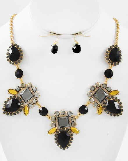 Exotic Diva Necklace Set