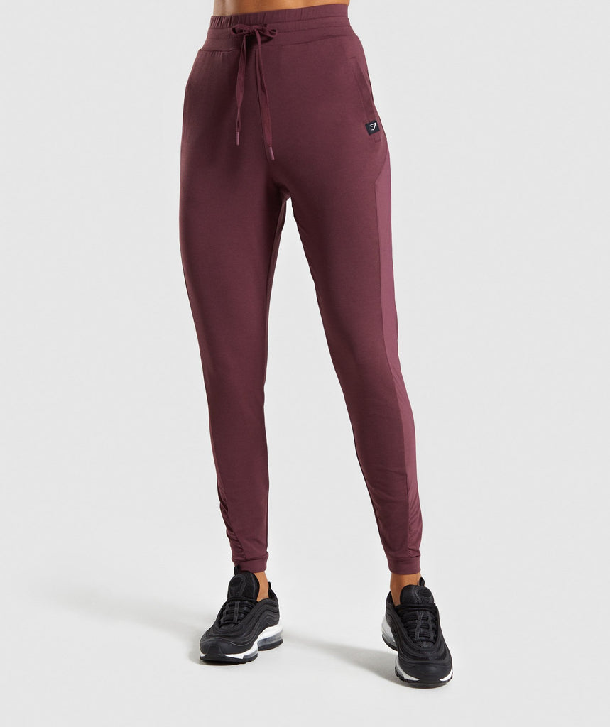 Gymshark Aura Joggers - Berry Red 1