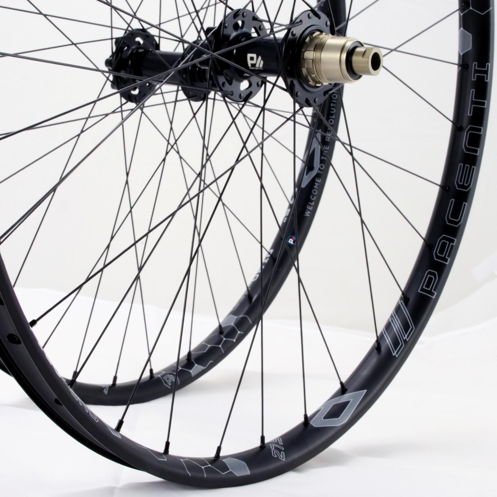 "PI30-END Wheelset 27.5"" 142mm 6bolt"