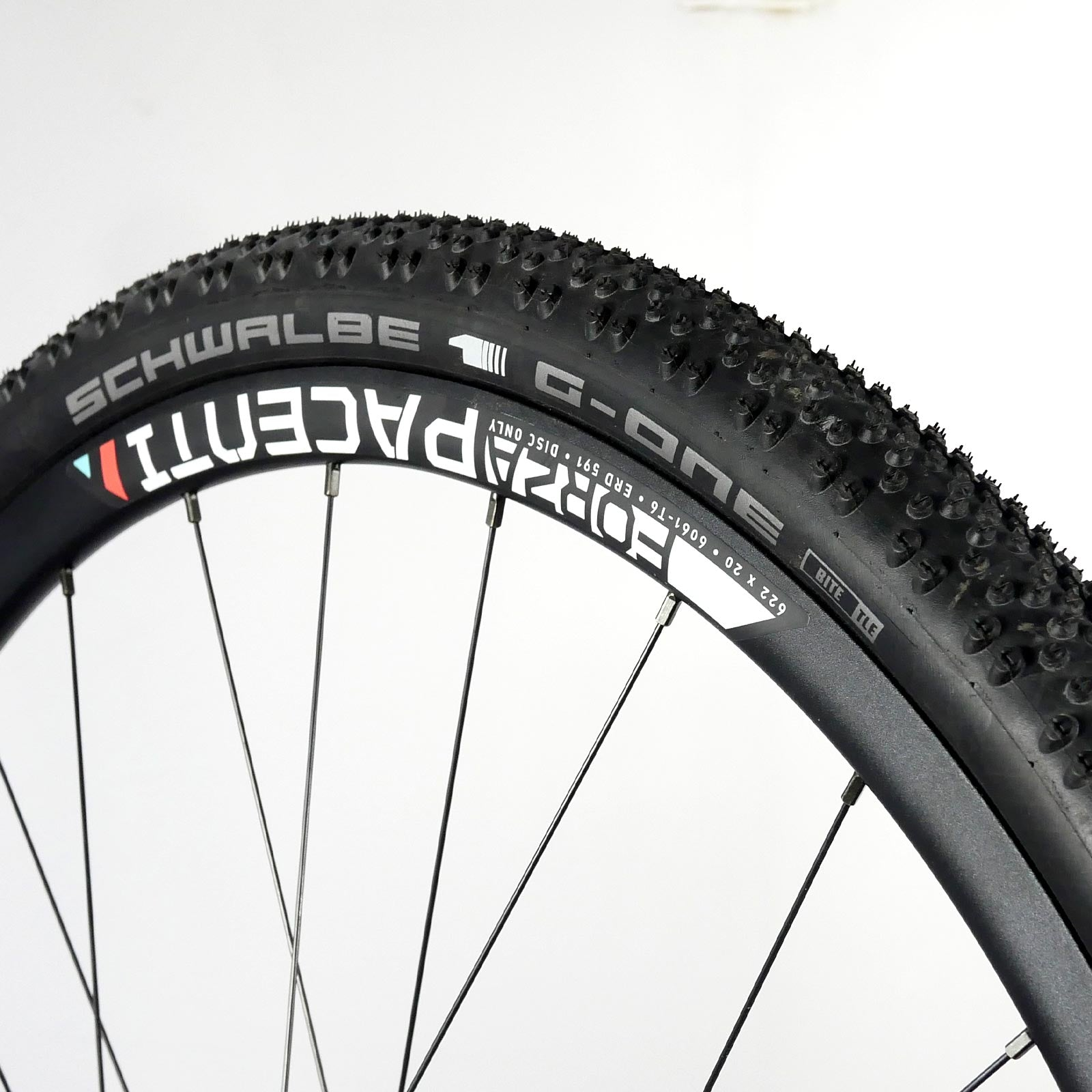 Schwalbe 2020 G-One Bite 700 x 38 V-Guard Tubeless easy