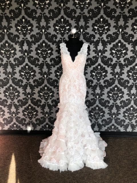 Galina Wedding Dress Lace Ivory & Blush Size 8 Sleeveless