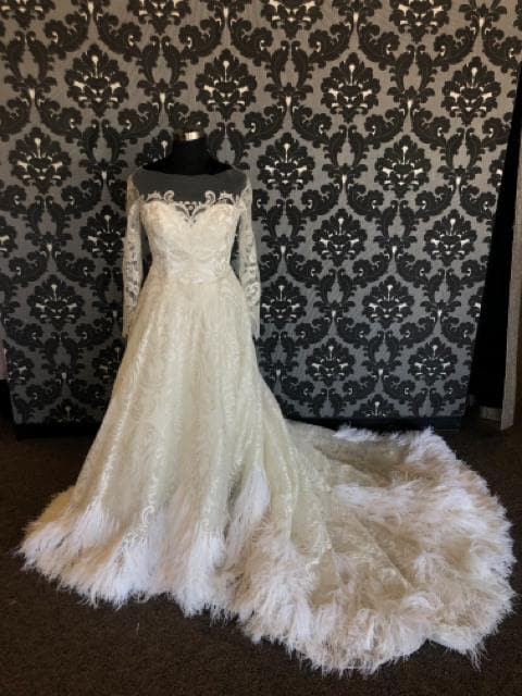 Casablanca Women's Wedding Dress Lace Ivory/Silver Size 16