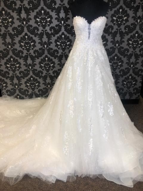 Maggie Sottero Women's Wedding Dress Lace/Beading Ivory Size 6 A-line