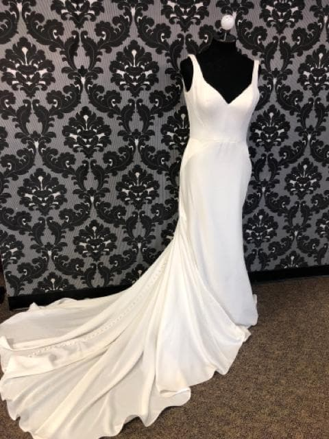 Essense of Australia ETTA D1951 Women's Wedding Dress Crepe Ivory