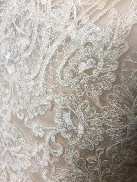 Size 8 Ivory/Champagne Lace Mori Lee Sleeveless Mermaid Sweetheart