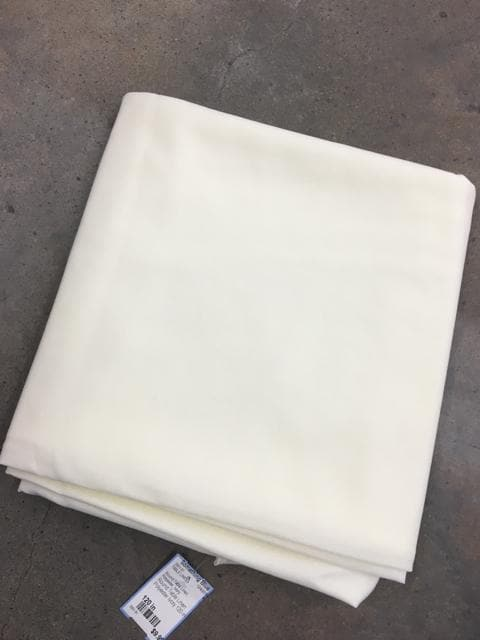 Round Table Linen Polyester Ivory 120 in
