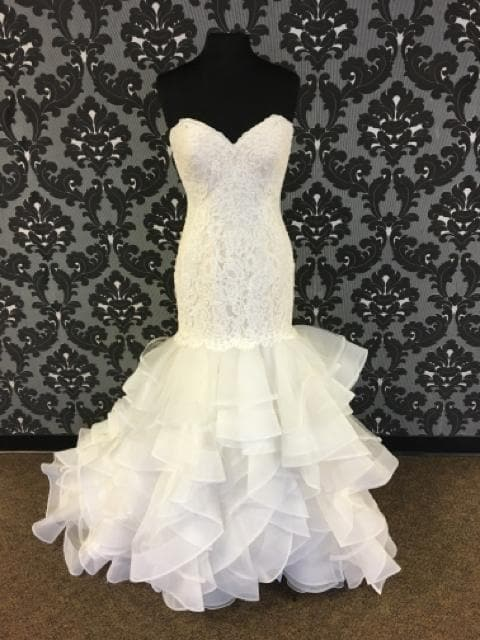Mori Lee ML2879 Women's Wedding Dress Lace and Horse Hair size 10