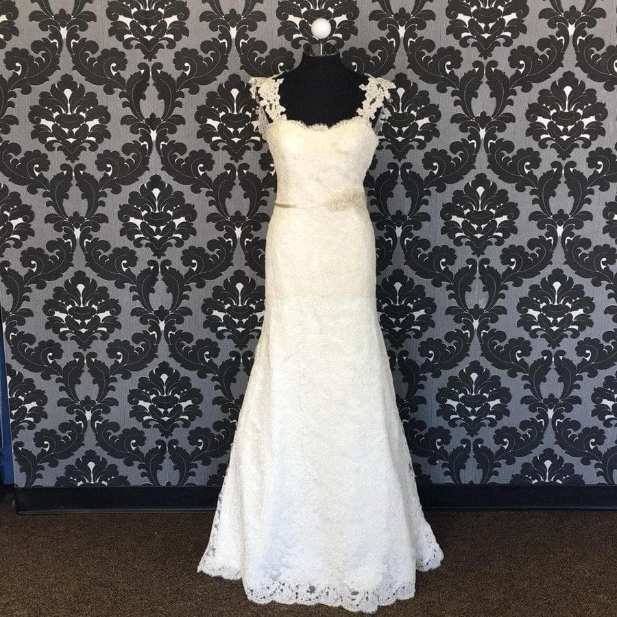 Size 6 Ivory Alvina Valenta Lace Lace Fit & Flare Modified Sweetheart
