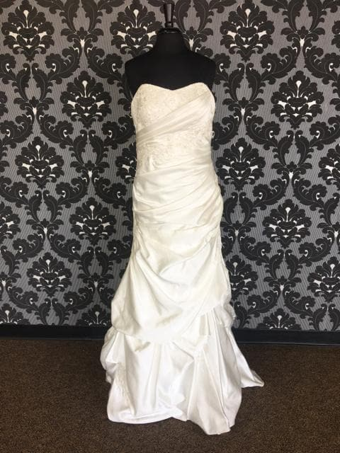Size 12 Ivory Allure Bridal Lace Cap Sleeve A-line V-Neck
