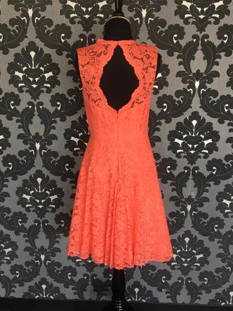 Size 8 Grapefruit Jasmine B173064 Cocktail Lace Cap Sleeve