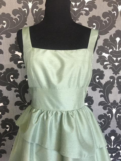 Size 8 Sage Lugo 277 Cocktail Silk Sleeveless