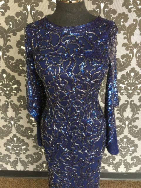 Size 8 Midnight Primavera All Over Beaded Scoopneck Long Bell Sleeve