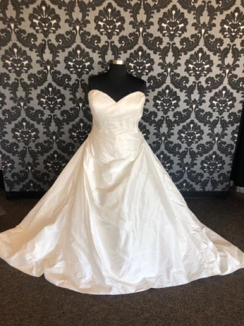 Justin Alexander JESSIE 88029 Women's Wedding Dress Bengaline Ivory
