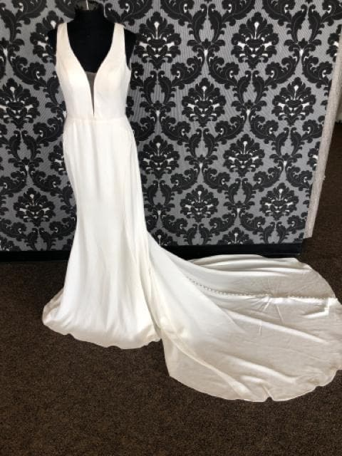 Essense of Australia ENGLAND D2654 Women's Wedding Dress Poly Spandex
