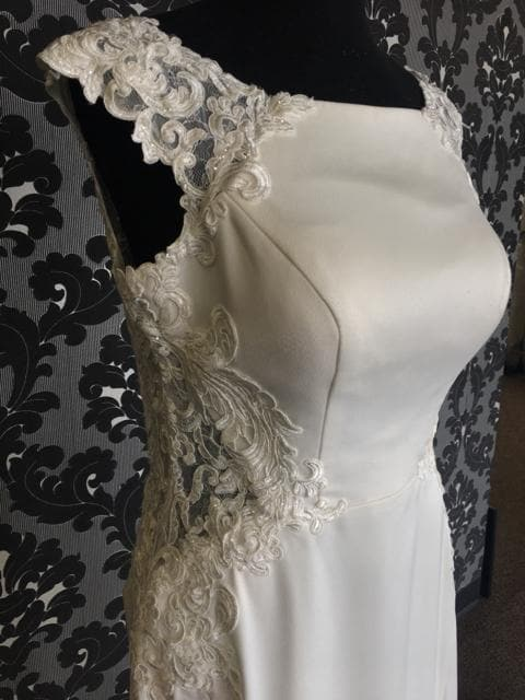 Essense of Australia Size 14 WEDDING DRESSES