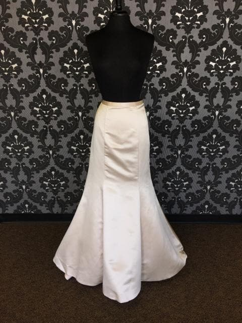 Size 14 Champagne Allure Satin Trumpet Skirt Separate