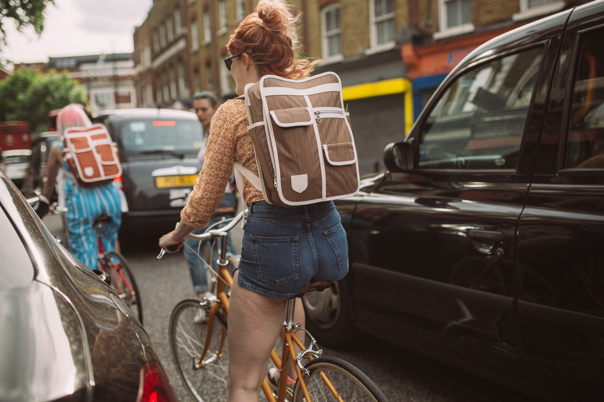 riding a bike in london with Goodordering