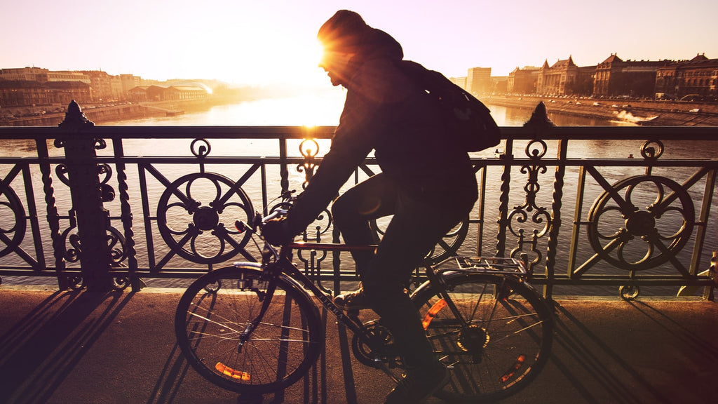 3 tips for looking stylish on your bike commute to work