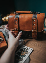 Load image into Gallery viewer, Vintage vegan leather bag Leila