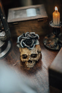 Resin Figure Skull with Roses