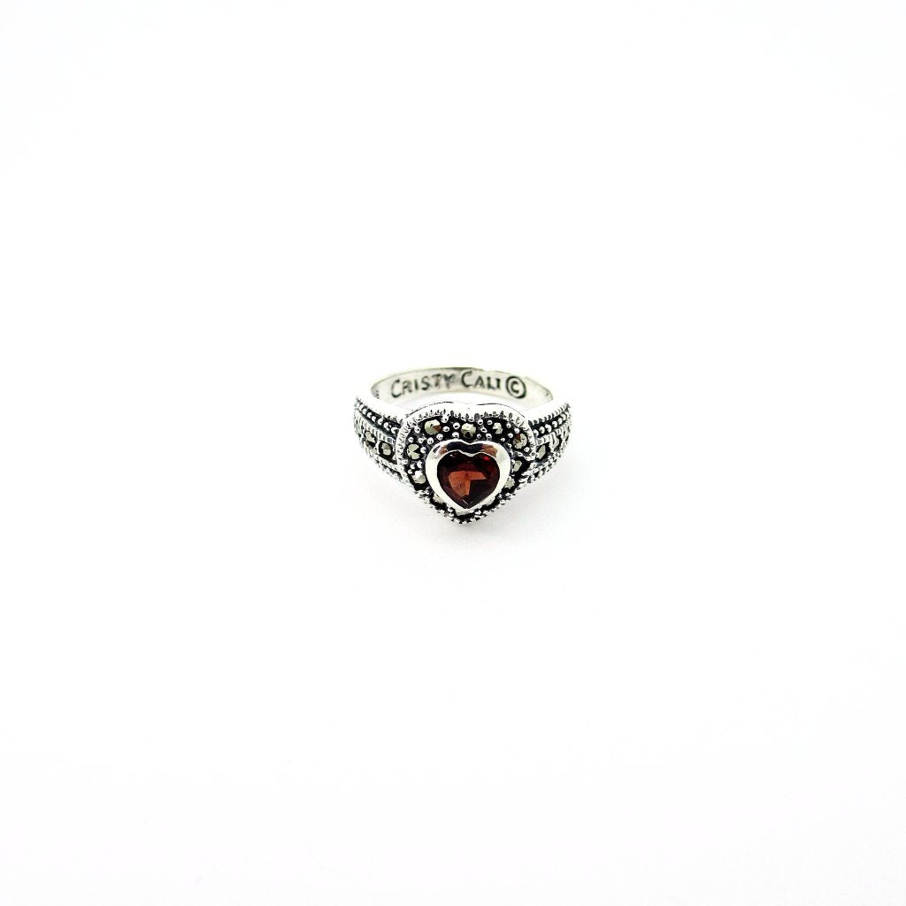 Rouge Love Ring