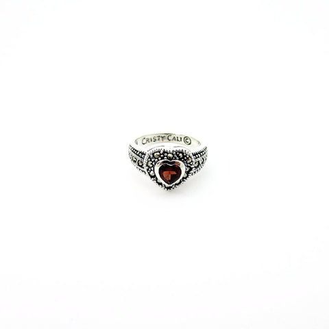 Queen of Hearts with Garnet Limited Edition - Medium Gold