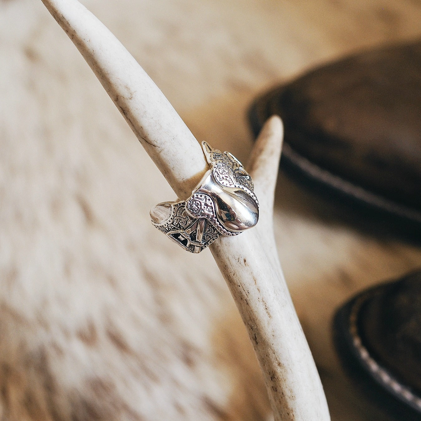 English Saddle Ring